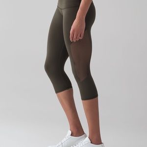 Lululemon Reveal Crop Sz 4